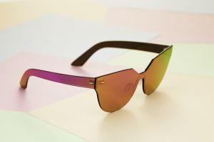 Câștigă o pereche de ochelari de soare RetroSuperFuture