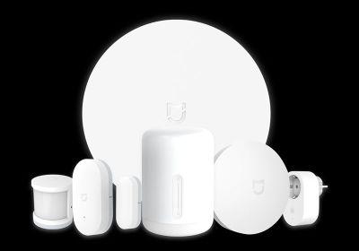 Câștigă 3 pachete Xiaomi Smart Home