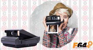 Câștigă un aparat foto Polaroid