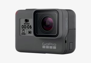 Câștigă 3 camere video sport GoPro Hero 6