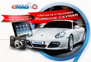 Castiga o masina Porsche Cayman, 12 iPad-uri Apple 32 GB si 60 de aparate foto Nikon Coolpix L21