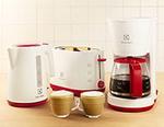 Castiga o cafetiera, un toaster sau un fierbator de apa Electrolux